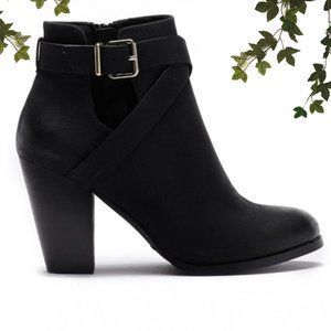 Call it Spring Ankle Booties Buckle Round, 9